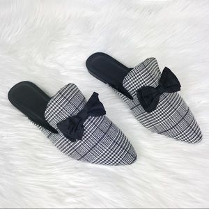 Urban Outfitters Houndstooth Bow Tie Mule Slides